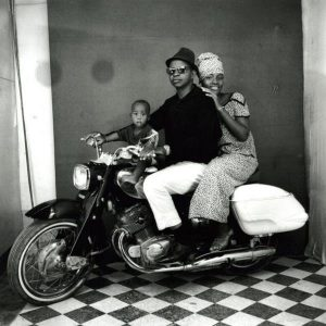 "Malick Sidibé, ""Toute la famille en moto,"" 1962"